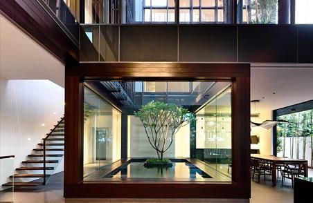 把家设计成一个垂直庭院 (17)