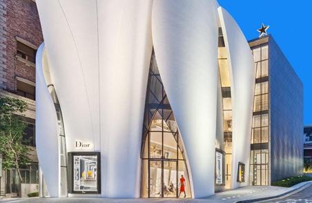 优雅白色花瓣包裹的Dior首尔精品店 (6)